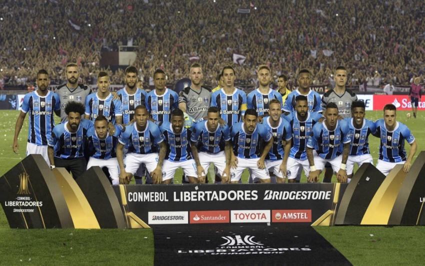 Grêmio se impõe na Argentina e é Tricampeão da Libertadores  90e1eca9f5ddb
